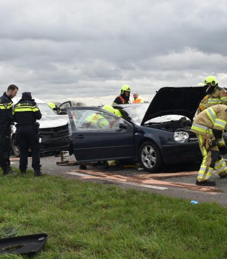 Ernstig ongeval op Van Heemstraweg bij Gameren; drie gewonden
