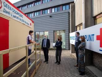 """Gouverneur bezoekt spoed- en Covid-afdelingen van AZ Sint-Blasius: """"Patiënten krijgen hier de beste zorgen, ondanks druk op personeel"""""""