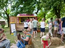 Food Festival met krekelburgers en dj Tuinder Rick bij Tuinderij De Es in Haaren