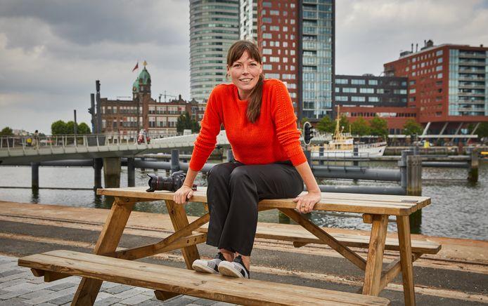 Fotograaf Sanne Donders volgde 33 Rotterdammers een dag lang.