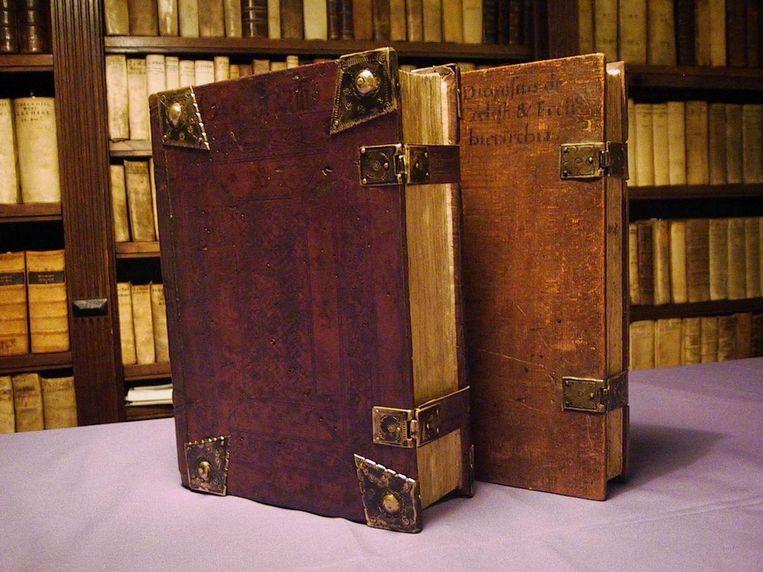 Een taxatie kost vijf euro, ongeacht het aantal meegebrachte boeken Beeld -