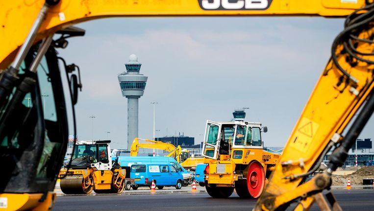 Vorig jaar was de Kaagbaan van Schiphol tien weken lang vanwege onderhoud buiten gebruik Beeld anp