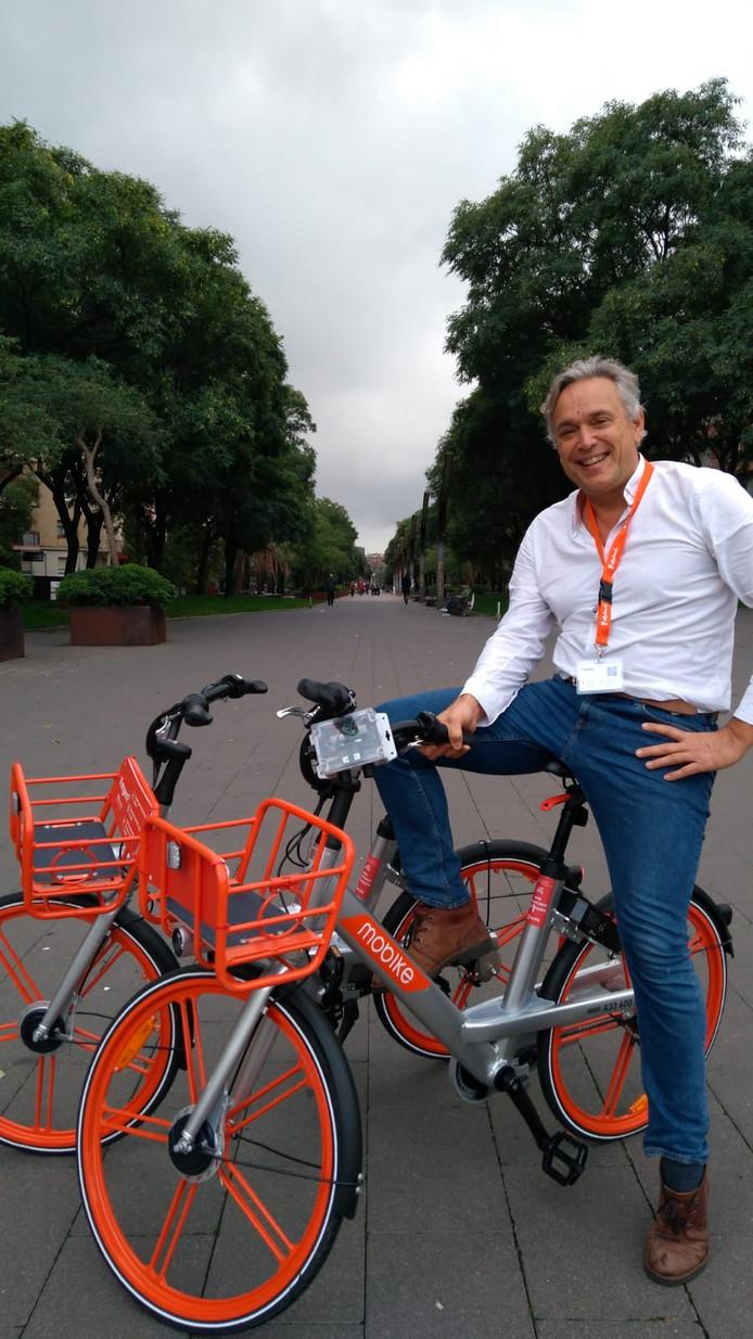 Jan Willem Smeenk van Sodaq testte deze week de snuffelfiets in Barcelona.