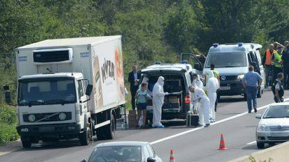 Mensensmokkelaars krijgen levenslang voor dood van 71 asielzoekers in koelvrachtwagen