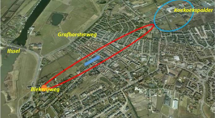 De vervuiling van een oude wasserij aan de Blekerijweg, heeft zich onder de kern van IJsselmuiden uitgebreid. Het verspreidingsgebied valt binnen de rode cirkel.