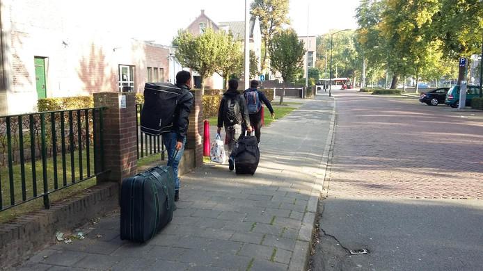 De laatste asielzoekers verlieten maandag azc De Boschpoort in Breda.