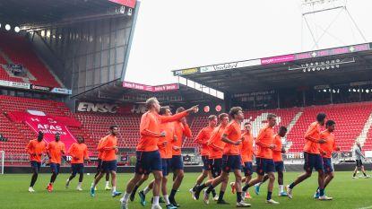 """Antwerp-fans leggen telefoon gemeentehuis Enschede plat: """"Verwensingen vliegen ons om de oren"""""""