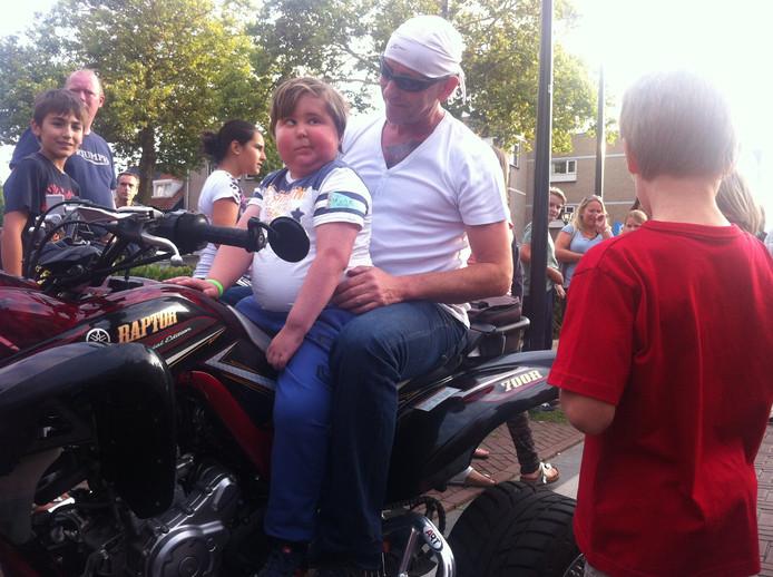 Jasper in augustus op de motor bij de Harley Davidsonclub in Strijp