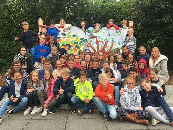 Het vijfde leerjaar van GBS De Letterboom in Ottenburg