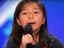 Superschattige Celine (9) zingt loepzuiver megahit van haar idool