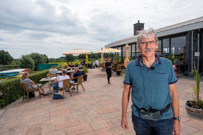 Bert van der Stoep, eigenaar van Vadesto Outdoor Adventure in Hattem. ,,Gelukkig merken we dat het steeds drukker wordt, maar het is natuurlijk nog niet zoals het zou moeten zijn. We blijven echter positief.''