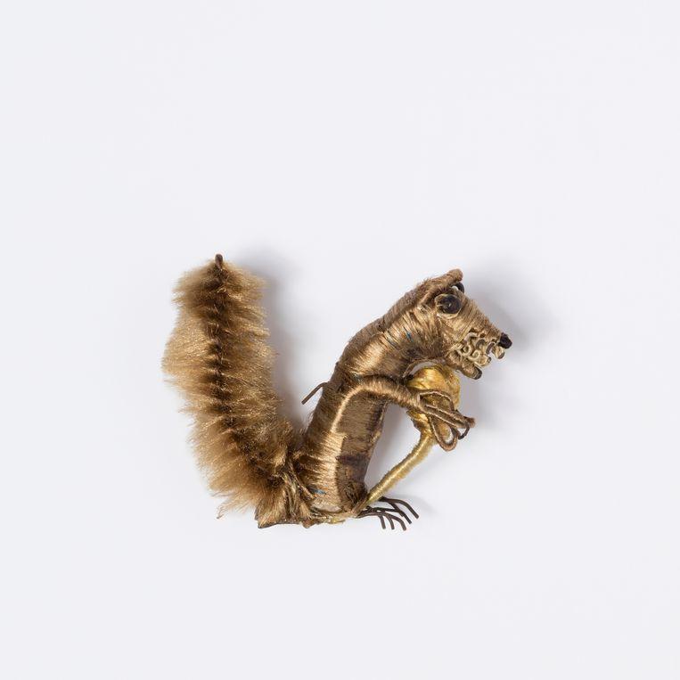 Besloten Hofje Daniël in de Leeuwenkuil. Detail eekhoorn.