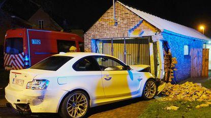 BMW schuift van de weg en maakt hoop brokken