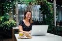 Suzanne van Duijn is digital nomad en weet precies hoe je werken in het buitenland moet aanpakken.
