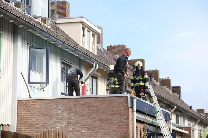 De brand ontstond tijdens werkzaamheden aan het dak.
