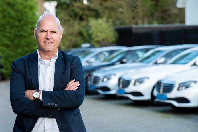 Taxibedrijf De Groen bestaat in 2023 zestig jaar; een grotere crisis kan eigenaar Tonny de Groen zich niet herinneren.