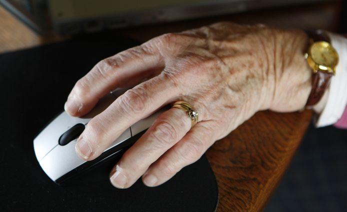 Technologische snufjes moeten ouderen helpen langer thuis te blijven wonen.