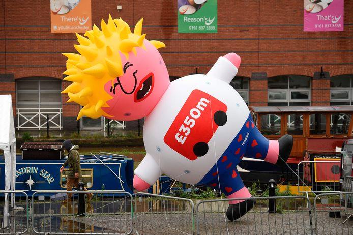 Een zes meter lange opblaaspop in de beeltenis van de Britse premier stal de show.