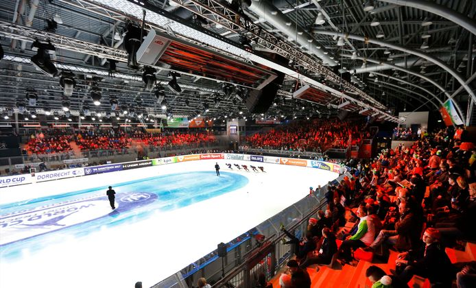 Het EK Shorttrack op de ijsbaan in de Sportboulevard.