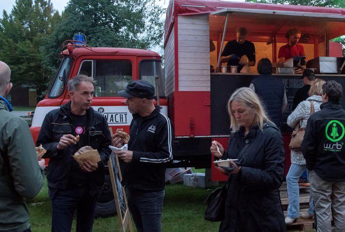 Gekke hapjes uitproberen op een eerdere editie van het Blije Bietjes Foodfestival in het Plantagepark in Harderwijk