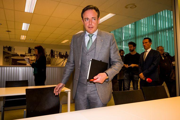 N-VA voorzitter Bart De Wever: 'Een regering die naar Marrakech gaat, steunen wij niet.' Beeld BELGA