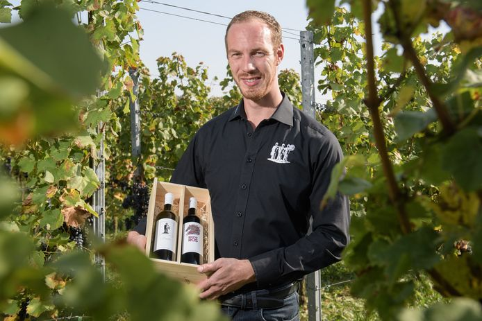 """Jeroen Ziel van De Wijnmakers uit Rectum met de prijswinnende Rode Ros 2018: """"Wij willen onze wijnen steeds beter maken."""""""