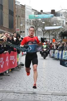 Van der Wielen wint Stevensloop opnieuw, Van Velthoven snelste vrouw