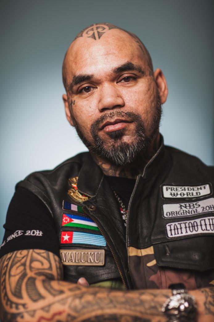 Alex Latumahina (45).