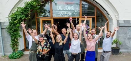 Restaurant De Jong wordt verkocht, maar zoekt nog steeds personeel