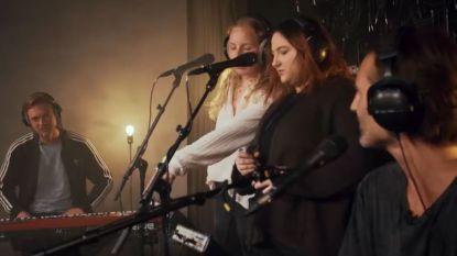 The Voice Unlimited: na geslaagde Blind Auditions zingen Tasha en Daria met Sean Dhondt groovy cover van 'Killing me Softly'