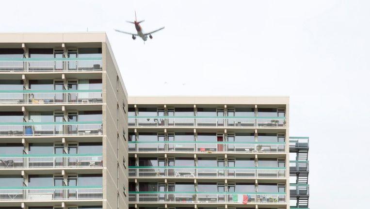 Per jaar komen 40.500 vliegtuigen over het vijftig jaar oude Uilenstede. Beeld Sanne Zurné