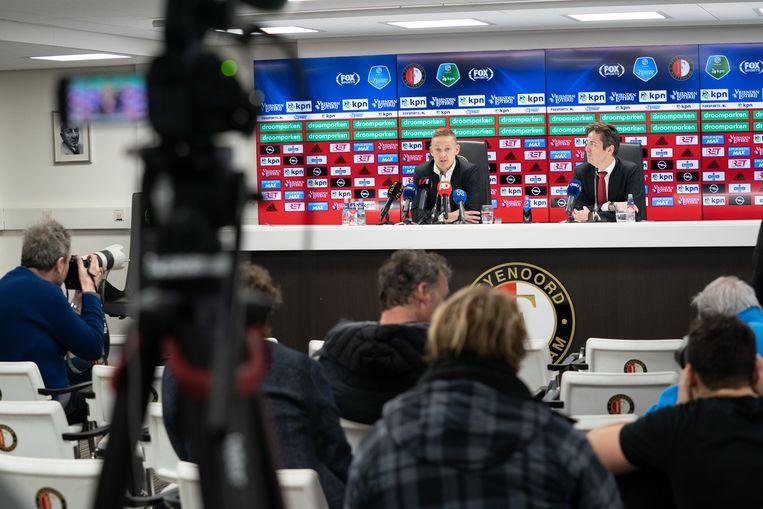 Jens Toornstra van Feyenoord wordt geïnterviewd in de perskamer in plaats van de mixed zone, vanwege het coronavirus.  Beeld null