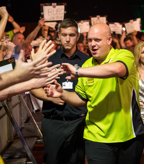 Van Gerwen walst over Whitlock heen bij World Matchplay