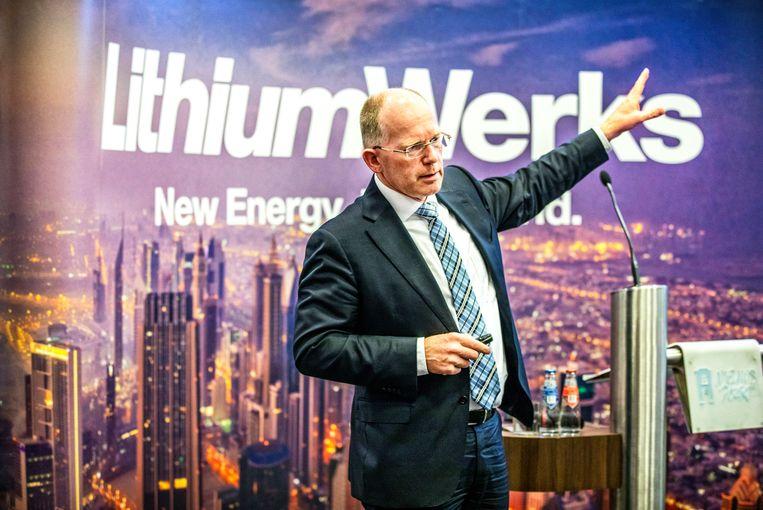 Kees Koolen van Lithium Werks licht zijn megadeal toe met chinese inversteerders.  Beeld Raymond Rutting / de Volkskrant