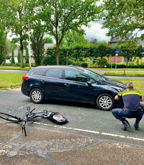 Fietser gewond na aanrijding in Oldenzaal