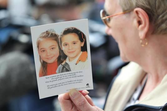 Op 24 juni 1995 verdwenen Julie Lejeune en Melissa Russo. De meisjes waren 8 jaar. Hun lichamen werden veertien maanden later teruggevonden, begraven in de tuin van een huis van Marc Dutroux.