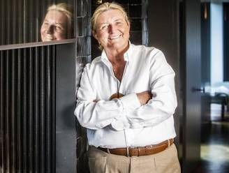 """Marie-Anne De Nil (67) van 'The Sky is the Limit' laat in haar portemonnee kijken: """"Als je rijk in je graf kruipt, heb je niet geleefd"""""""