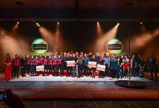 Alle genomineerden op het podium in de Jan Massinkhal.