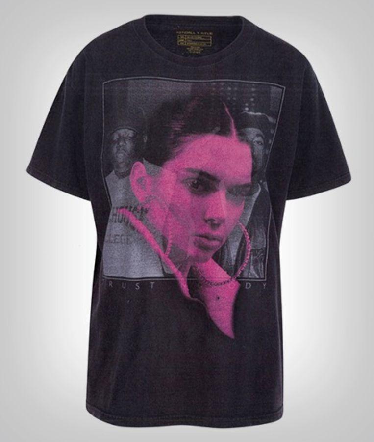 Kendall Jenner plaatste haar foto over die van Tupac en Biggie heen op een T-shirt.