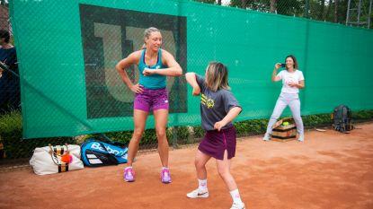 """Yanina Wickmayer gaat met G-sporter tennisuitdagingen aan van virtuele Special Olympics: """"Voor die glimlach doe je het"""""""