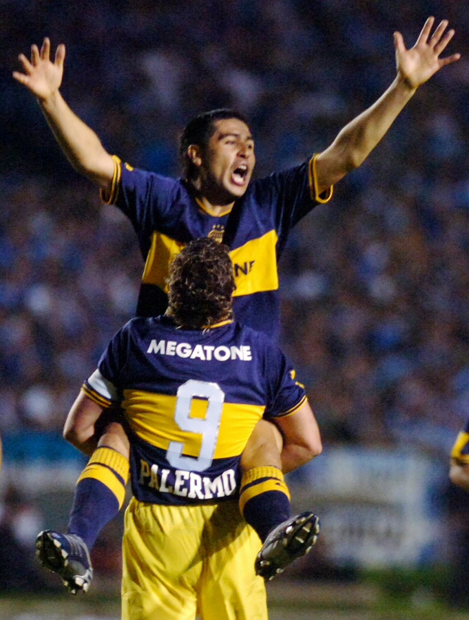 Juan Román Riquelme en Martin Palermo tijdens de gewonnen finale van de Copa Libertadores in 2007.