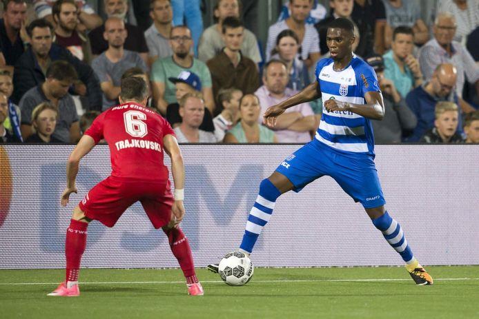 De onderlinge strijd tussen PEC Zwolle en FC Twente is altijd populair in Overijssel