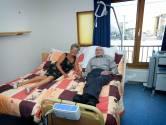Coronapatiënt Hein (78) kon pas slapen op de IC toen zijn vrouw naast hem sliep: 'Zonder haar ben ik de weg kwijt'