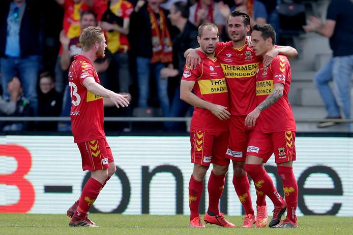 GA Eagles viert feest na de 1-1 tegen FC Den Bosch.