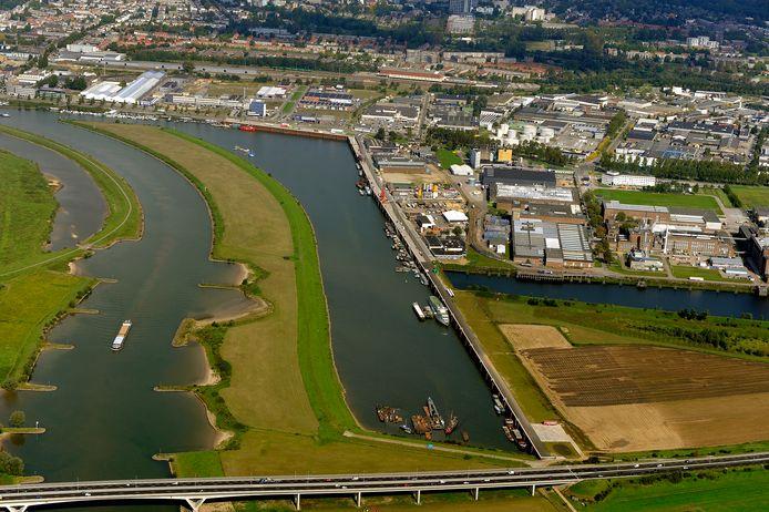 De biomassacentrale op het Industrieterrein Kleefse Waard.