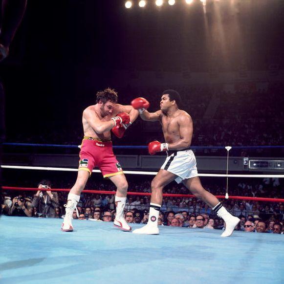 In 1976 bokste Jean-Pierre Coopman tegen Muhammad Ali. Meer dan 40 jaar later wordt hij gehuldigd.