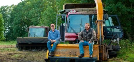 Johan maait moeraslanden met pistenbully's uit Oostenrijk: 'Tractor zakt hier na een paar meter al weg'