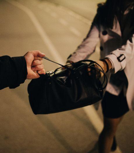 Dief heeft spijt van stelen tas vol herinneringen aan overleden man, spullen nog zoek