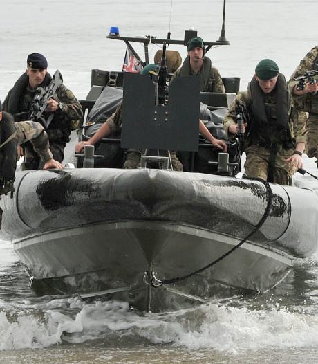 Britten sturen extra mariniers naar Perzische Golf: 'Wie anders dan Iran achter aanvallen?'
