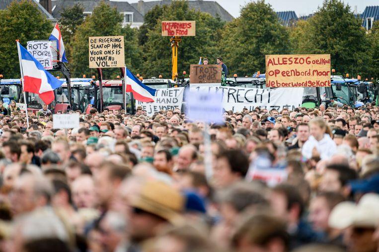 Op 1 oktober 2019 protesteren duizenden boeren op het Malieveld in Den Haag tegen het stikstofbeleid.  Beeld Emiel Muijderman